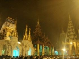Yangon - Shwedagon pagoda at night 10