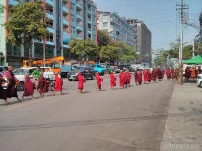 Yangon - monks 2