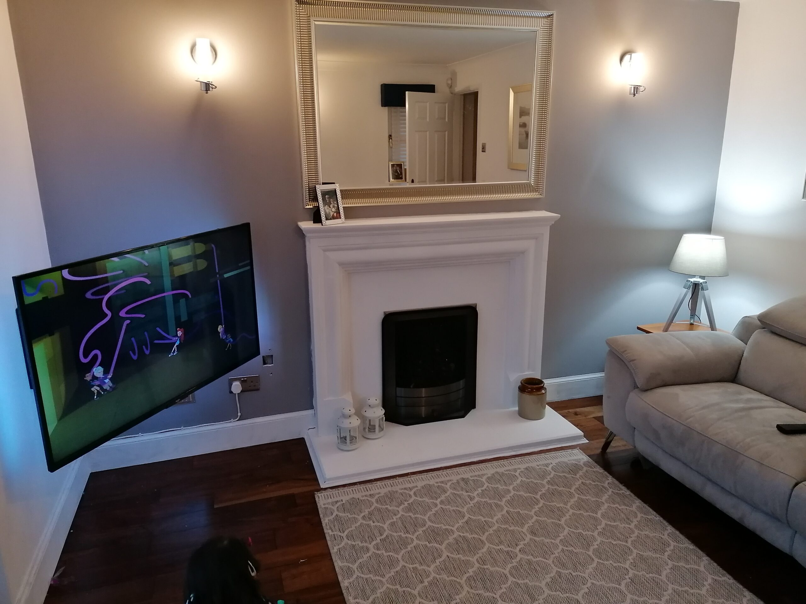 Read more about the article DIY painting a stone fireplace