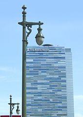 170px-Los_Angeles,_California,_street_lamp_with_Ritz-Carlton_Hotel