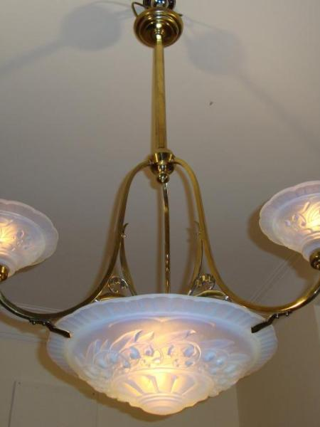 Attributed Maynadier opalescent art deco chandelier, circa 1930