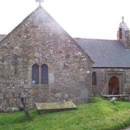 Eglwys Sant Pedr, Llanbedr-goch