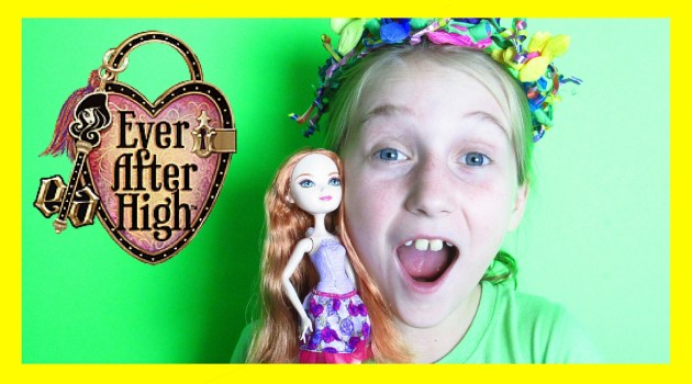 Ever After High Hairstyling Holly Review!