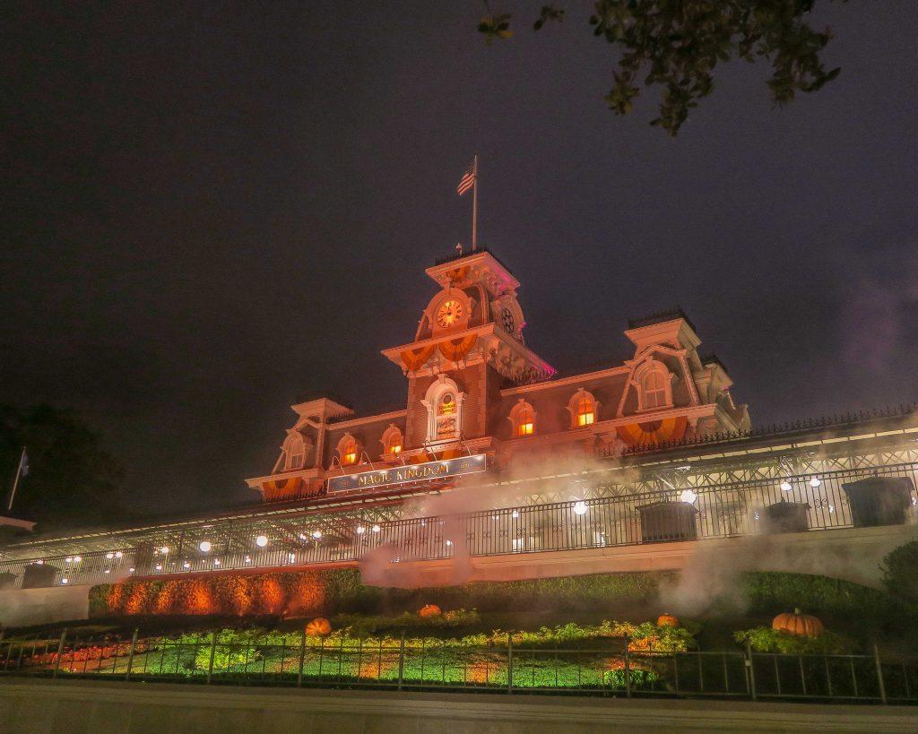mickeys not so scary halloween party magic kingdom entrance