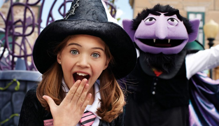 SeaWorld Orlando Halloween Spooktacular lets families trick or treat through the park along with offering family friendly entertainment.