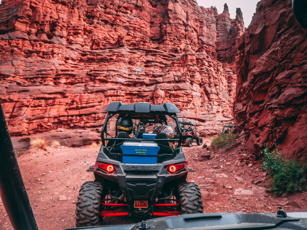 moab off road cliffs