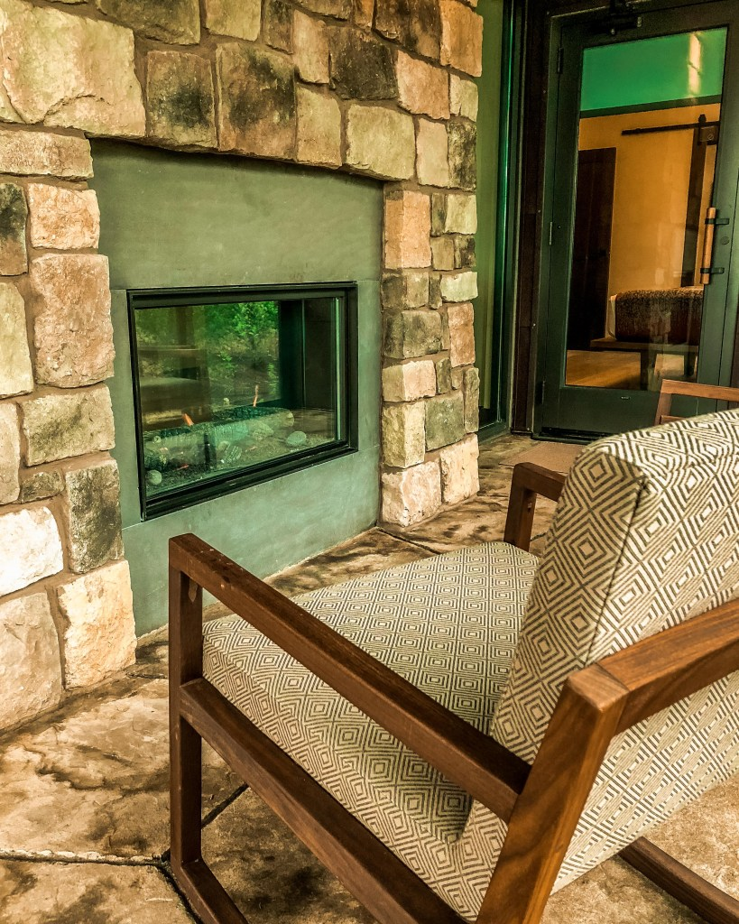 Copper Creek Cabins Outdoor Fire Place