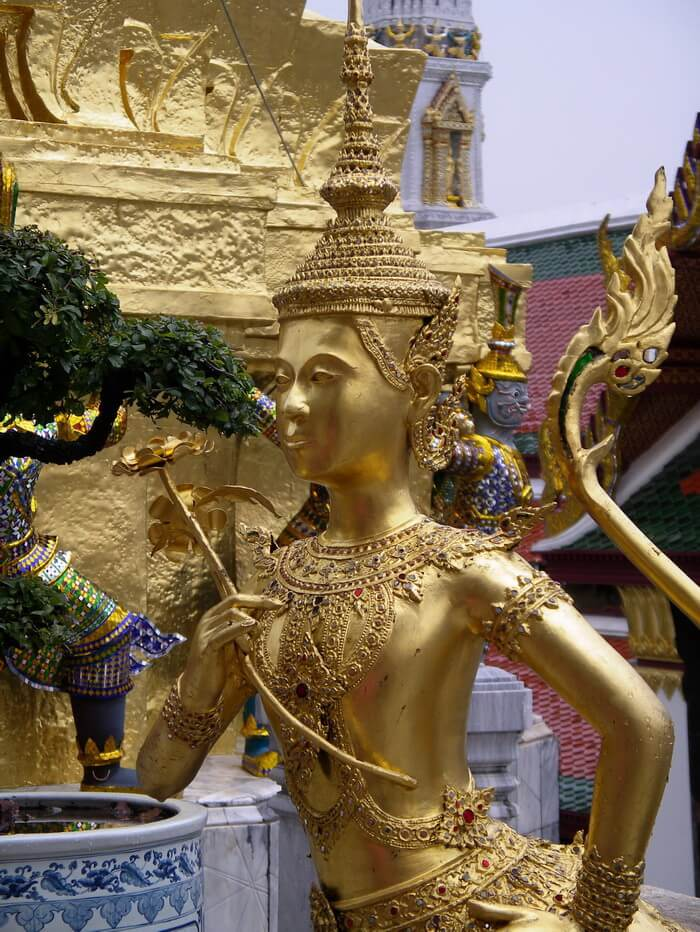 statue at Thailand temple