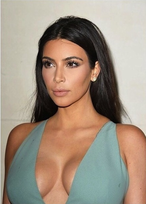 Kim-Kardashian-Paris-Fashion-Week-Balmain-Valentino-Instagram51