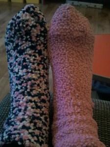 Nieuw gedrag moet je oefenen! Ik had een roze sok aan en was driftig of zoek naar de andere tot ik dacht: voor mijn neus ligt deze blauw/roze sok, wat maakt het eigenlijk uit dat ik twee verschillende sokken aandoe?!