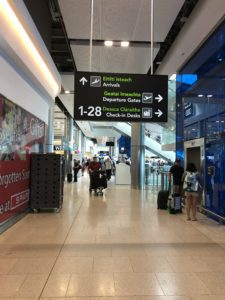 signs in English and Gaelic at Dublin airport