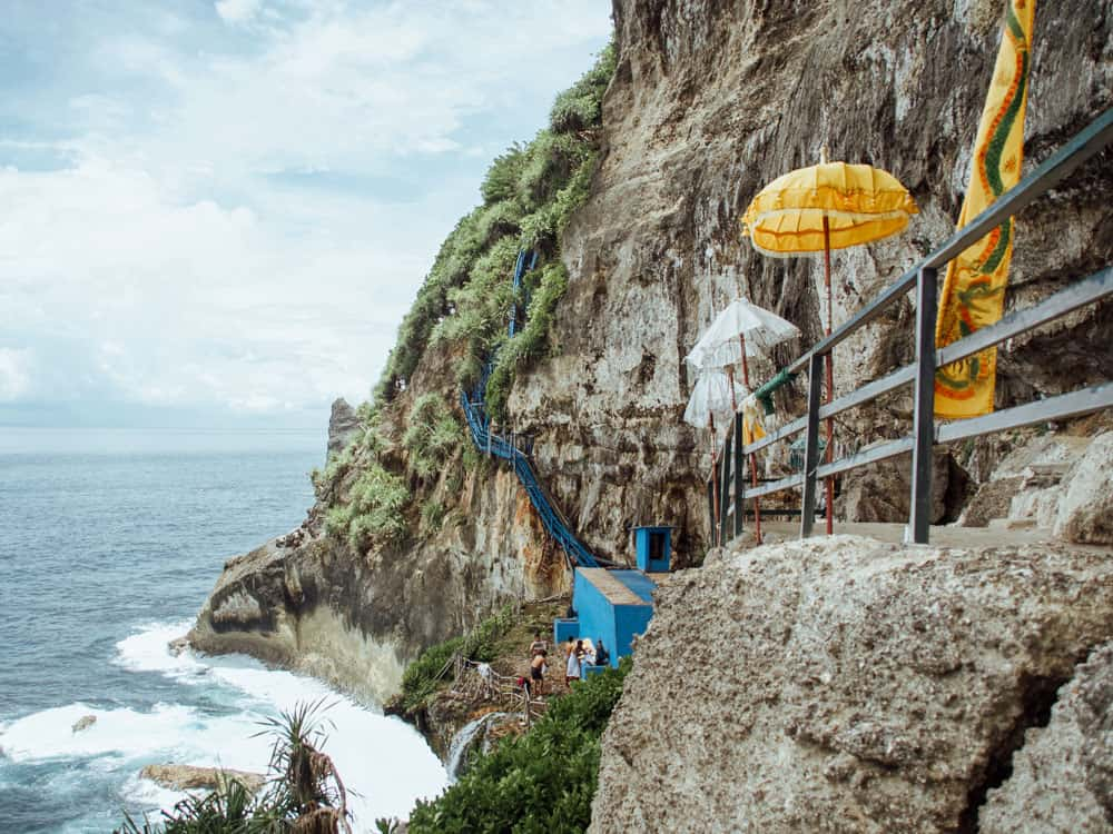 peguyangan waterfall, peguyangan waterfall nusa penida, blue stairs nusa penida