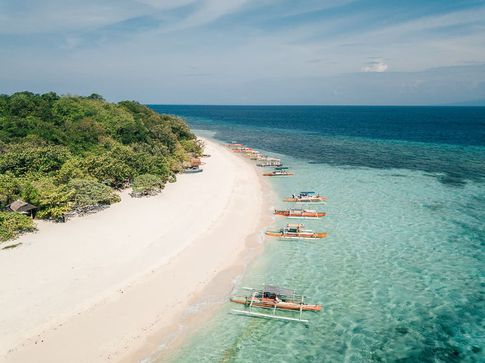 mantigue island, mantigue island tour, mantigue island snorkeling, camiguin island tourist spots, mantigue island camiguin, mantigue island nature park, how to get to mantigue island