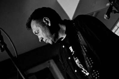 Jonzip live by Dave Arcari