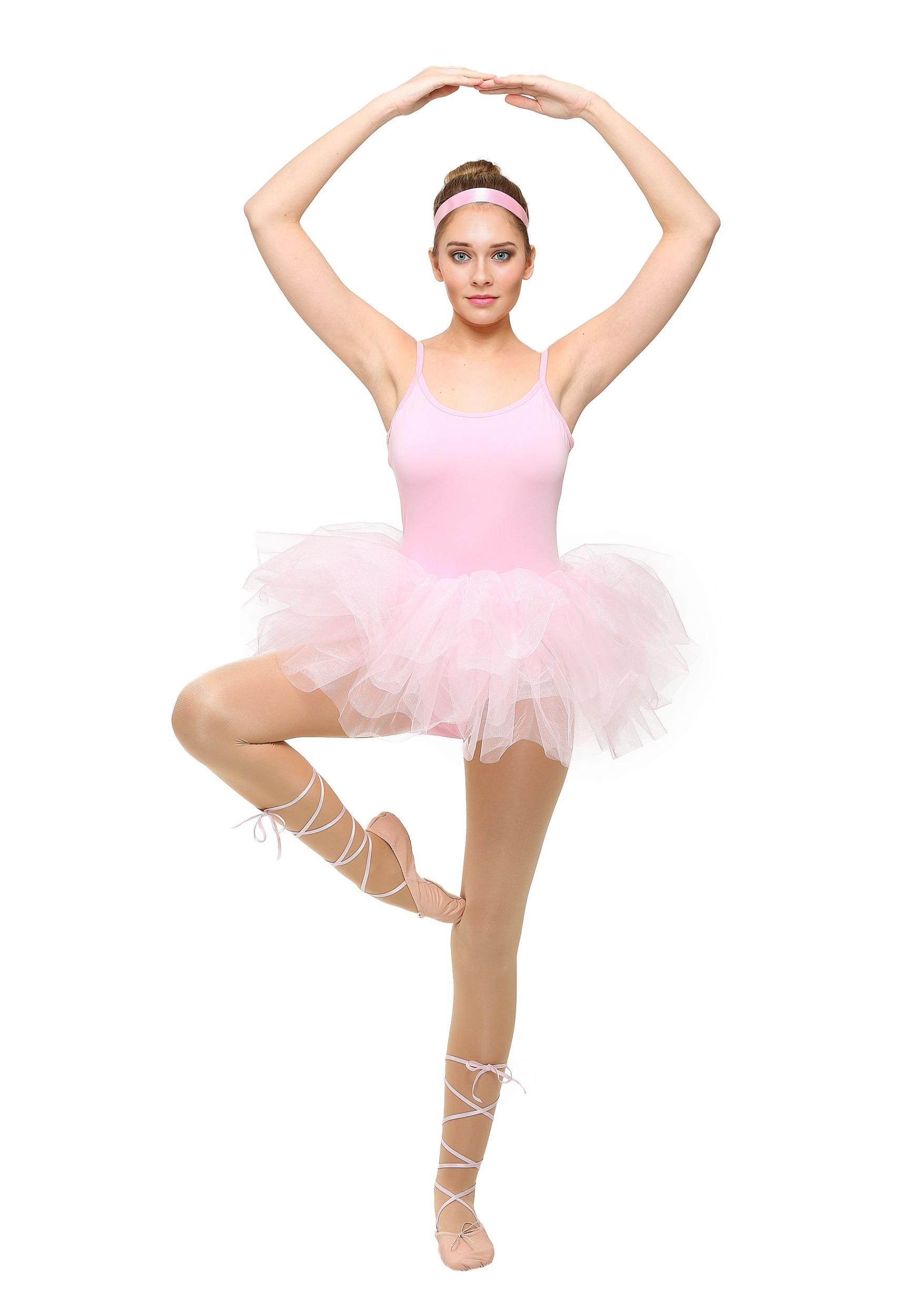 free photo ballerina dancing