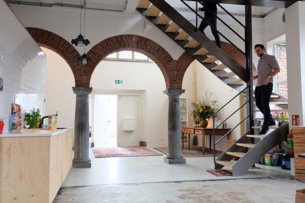Interieurfoto nieuwe trap in bestaande kapel. Foto Joost Reijnen