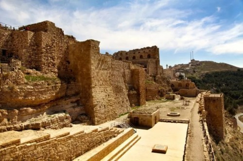 Ancient-crusader-castle-Al-Karak-Jordan