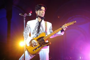 prince-performs-on-october-11-2009