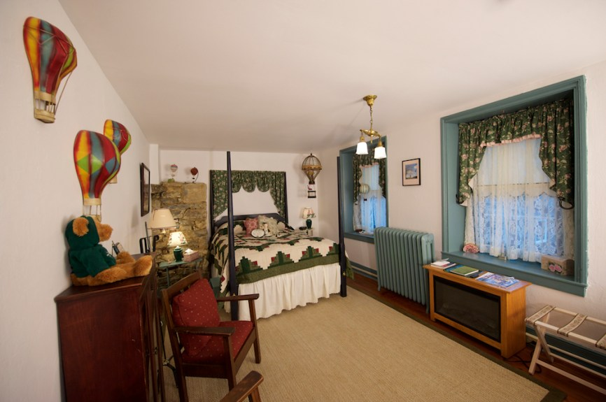 Lancaster County Commercial Photographer Osceola Mill House Bed & Breakfast_16