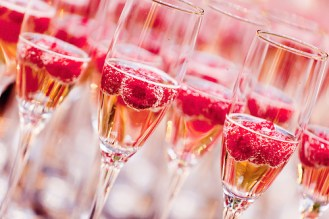 alcohol-champagne-champagne-glasses-drink-drinks-favim-com-404277