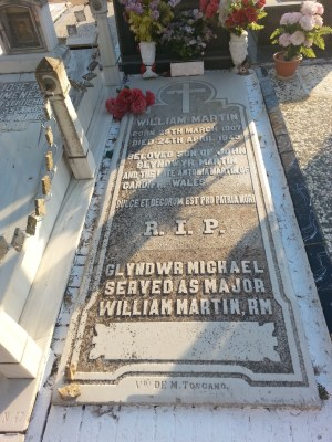 Gravestone reading: R. I. P. Glyndwr Michael, Served as Major William Martin