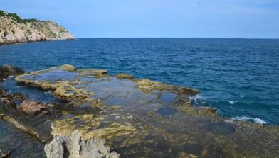 hang-rai-rocks-out-to-sea-1524