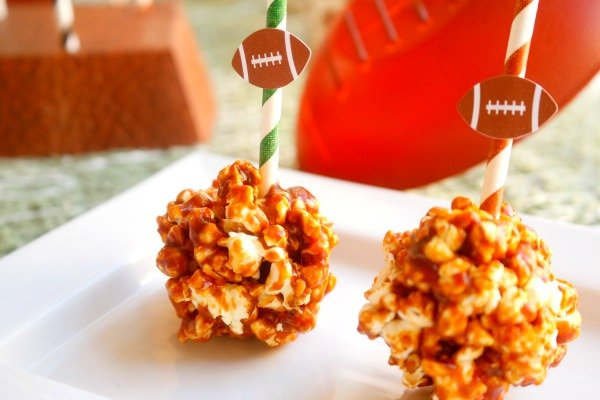 These quick and easy barbecue popcorn balls are perfect to serve up for the Big Game! #AllStarSnackBar #ad @Walmart