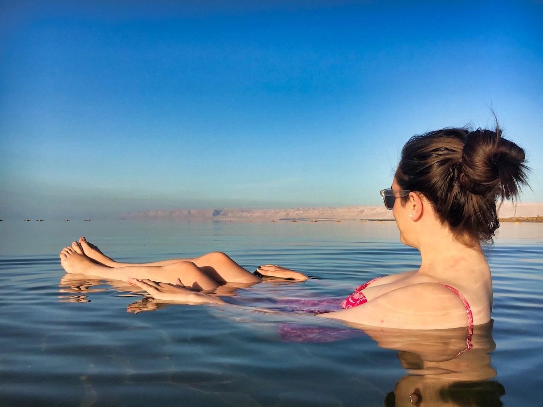 10 Days in Jordan - Valerie floating in the Dead Sea