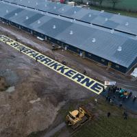 Greenpeace i aktion mod Danmarks største svinestald