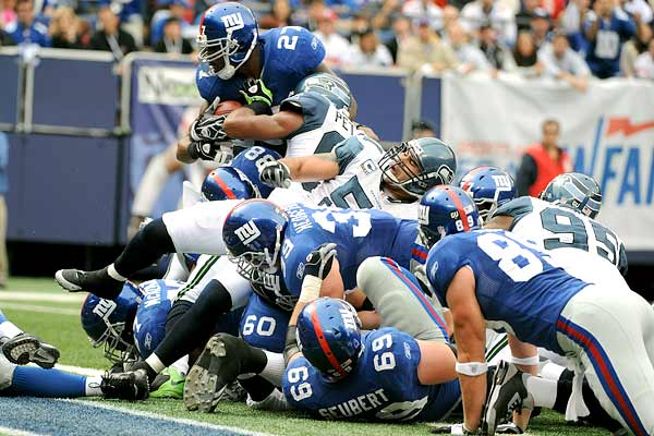 Giants/Seahawks Man Pile