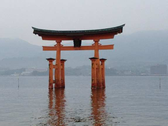 Great Torii at high tide. Photo Credit: Susan Spann. Used with permission.