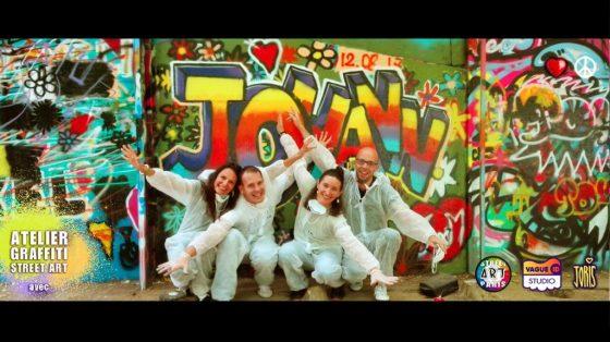 Un cours de graffiti à Paris, un Atelier Street Art avec l'Artiste Joris... Sur la photo on peux voir Johann et ses amis et leur belle création... Très réussie !!!