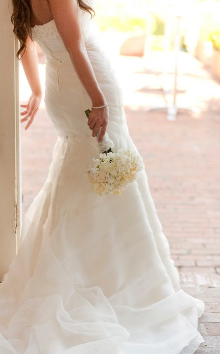 Romantic white bridal bouquet | Jessica Ormond Events | Coral Lee Carlson Photography
