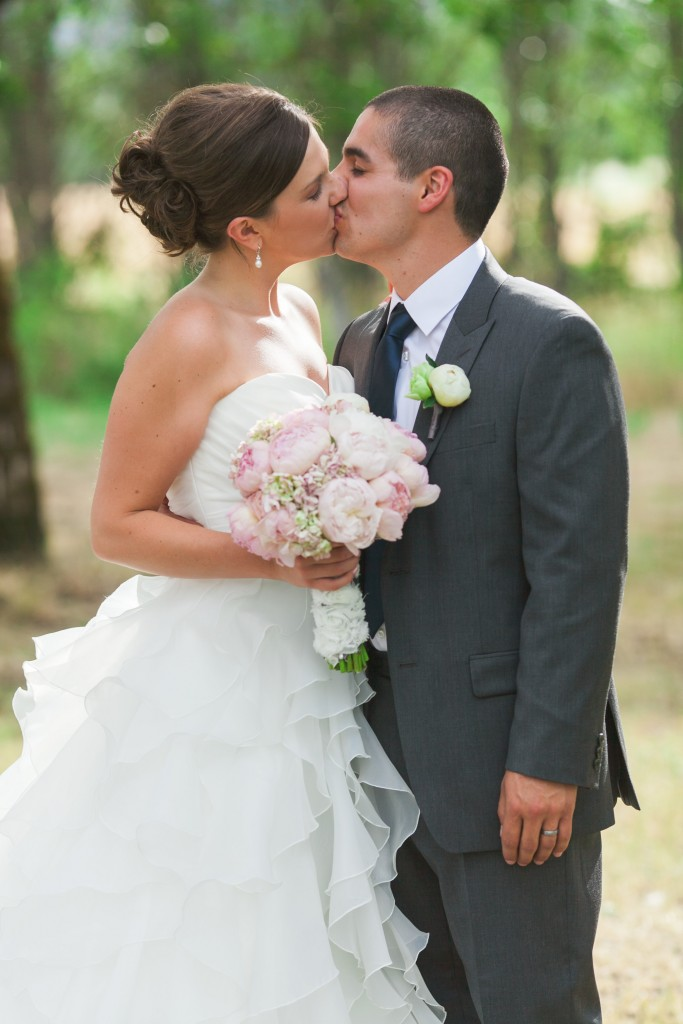 classic pink and navy outdoor wedding - hydrangeas and garden roses - Jessica Ormond Events - Hurtienne Photography