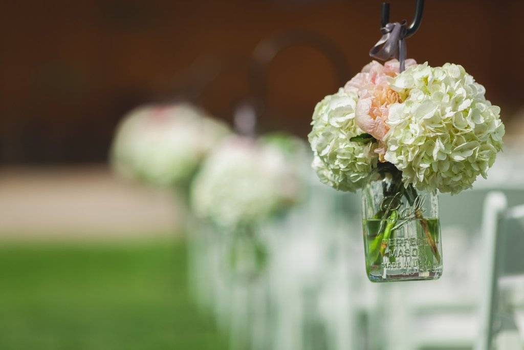 classy outdoor wedding - aisle - Jessica Ormond Events - Hurtienne Photogrpahy