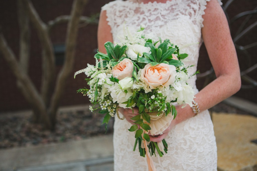 Peach rose and white garden bridal bouquet. Jessica Ormond Events - Abilene and Lubbock Texas boutique wedding florist and planner. Mia Coelho Photography.