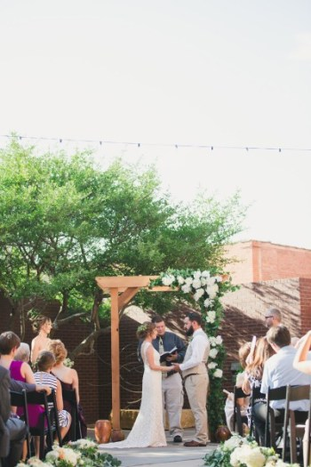 Outdoor wedding ceremony. The Grace, Abilene Texas. Jessica Ormond Events. Mia Coelho Photography.