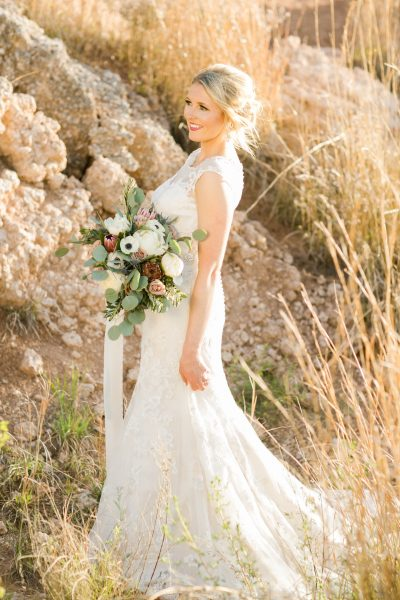 Elegant bridal portraits in Ransom Canyon by Allee J. Bouquet created by Lubbock stylist Jessica Ormond Events.