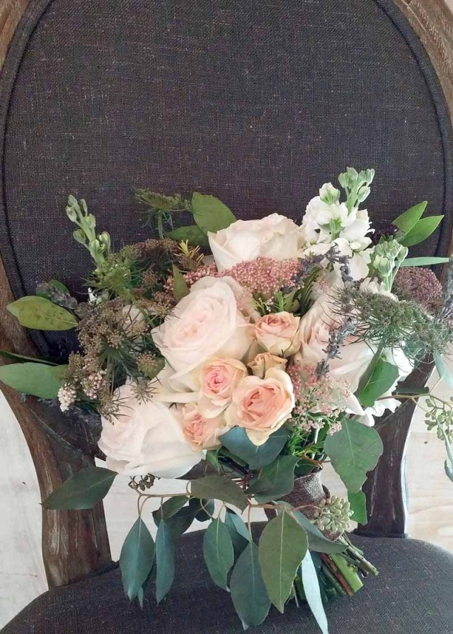 Garden Style bridal bouquet of blush roses and chocolate Queen Anne's Lace designed by Lubbock wedding florist Jessica Ormond Events.