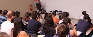 USP cria prêmio para incentivar a publicação em revistas científicas
