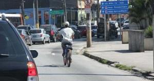 Quem mais caminha e pedala na América Latina são homens jovens