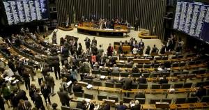 Câmara ignora a sociedade ao votar a favor de Temer