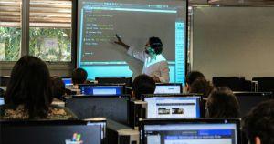 Na USP, alunos são desafiados a desenvolver um sistema operacional