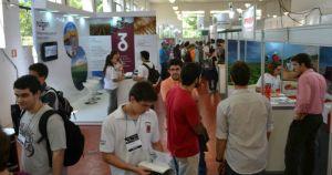 Em Piracicaba, feira conecta estudantes de graduação e empresas