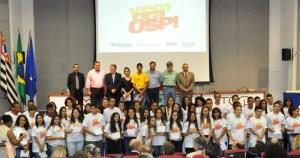 Programa Vem pra USP! premia alunos de escolas públicas