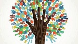 Sarau busca integrar comunidade com atividades em grupo