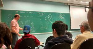 Disciplina ensina matemática para alunos de humanas, biológicas e exatas