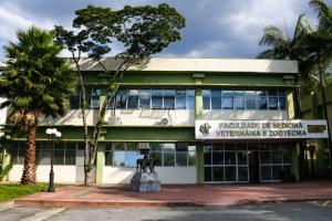 Faculdade de Medicina Veterinária e Zootecnia empossa nova diretoria