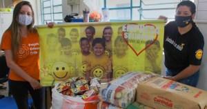 Universitários querem colher sorrisos de crianças usando a educação