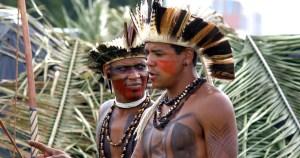 Povos indígenas lutam contra o massacre físico e cultural, diz liderança dos pataxós